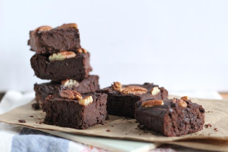 gluten-free, dairy-free, sugar-free sea salt & pecan brownies by cheeky baker