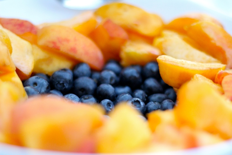 Peaches & Blueberries {by cheeky baker}